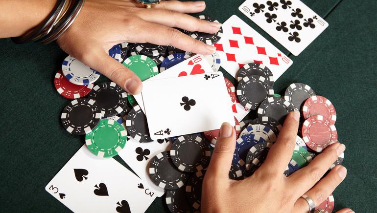 Online Poker Pros to Appear on Entourage