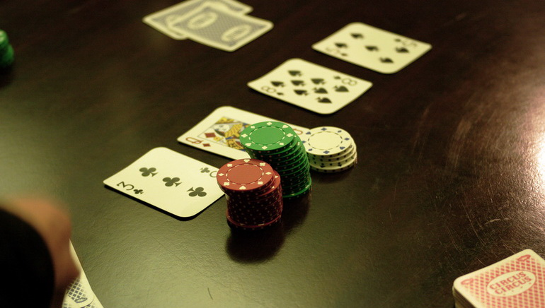 More Online Poker Players at PokerStars